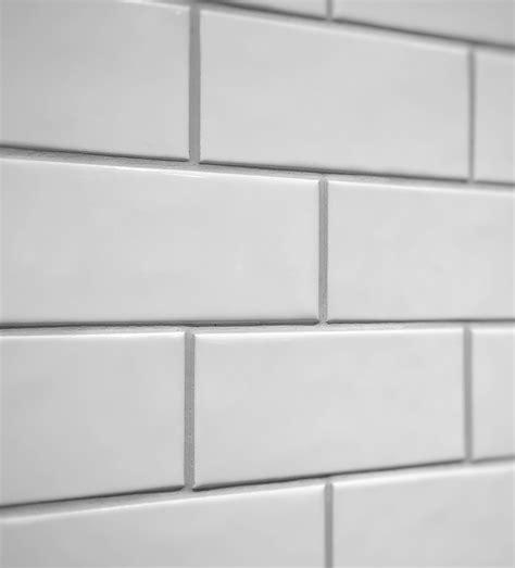 comment poser une cr馘ence de cuisine comment poser ceramique murale maison design mochohome com