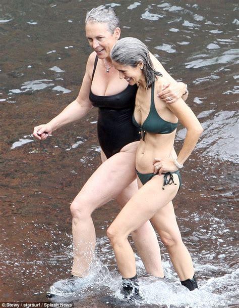 Jamie Lee Curtis, 54, shows off her voluptuous figure in ...