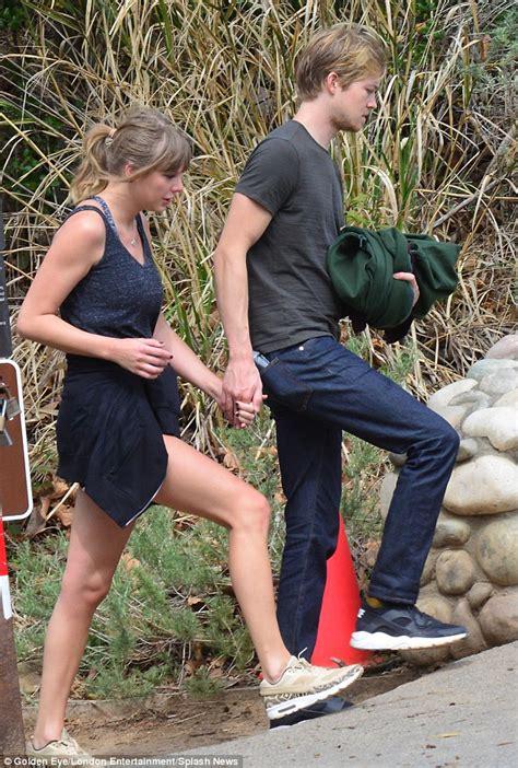 taylor swift  beau joe alwyn hold hands  malibu hike