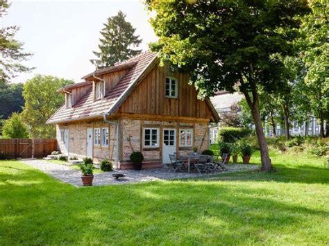 ferienhaus in ferienhaus gutsg 228 rtnerei rumpshagen mecklenburgische seenplatte m 252 ritz frau corry bismarck