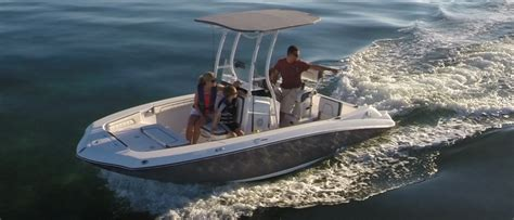 Trailerable Saltwater Fishing Boats by Center Console Buyers Guide Discover Boating
