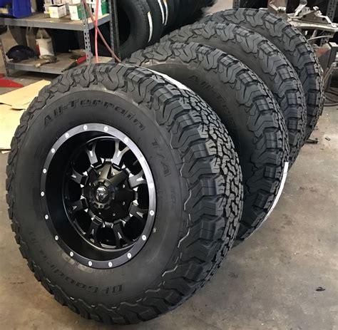 black jeep tires 5 18 quot fuel krank black wheels jeep wrangler jk tj 35