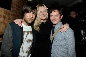 Jason, Kirsten & Elijah - Jason Schwartzman Photo (8318559 ...