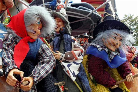 brocken hexen als beliebtes harz souvenir goslar
