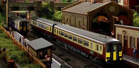 hornby   product releases train packs model