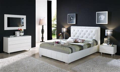 Stylish Modern Bedroom Furniture Womenmisbehavincom