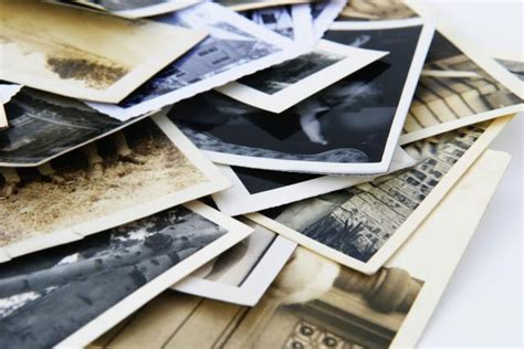 Tips On Organizing Generations Of Family Photos, Slides Or
