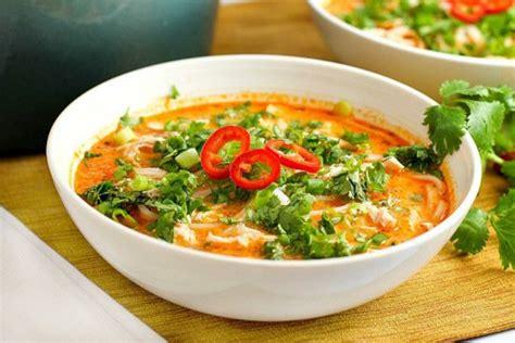 recette cuisine thailandaise traditionnelle recette facile de soupe poulet et nouille à la thaïlandaise