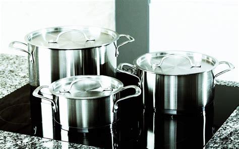 pots aluminium cookware pans aluminum safe harmful types toxic parade alternatives immediately replace should these istock aliminum