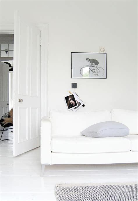 decordots White walls + white furniture