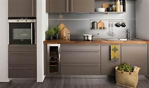 Plan De Travail De Cuisine : cuisine grise et plan de travail bois avec ~ Edinachiropracticcenter.com Idées de Décoration