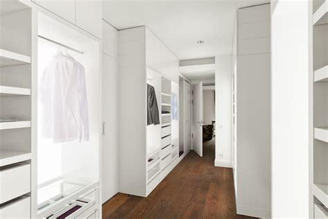 Das Ankleidezimmer Moderne Wohnideenankleidezimmer In Schwarz by Wie Kann Ich Einen Begehbaren Kleiderschrank In Mein