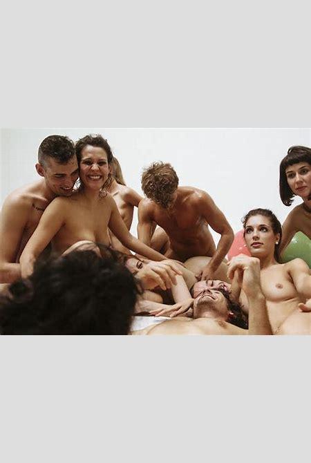 Dans les coulisses des films pornos d'Erika Lust, la réalisatrice qui renouvelle le genre