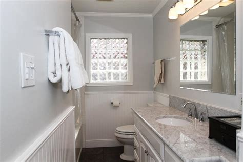 Beadboard In A Bathroom : Download Beadboard In Bathroom