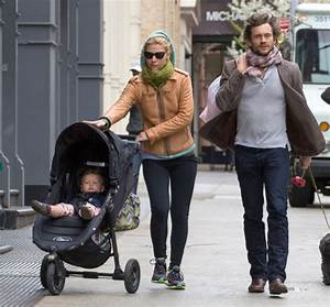 Claire Danes & Hugh Dancy Take A Stroll In New York ...