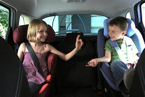 a quel age siege auto un siège auto ou réhausseur jusqu 39 à quel âge