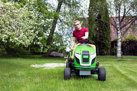 The 7 Best Riding Lawn Mowers Of 2019