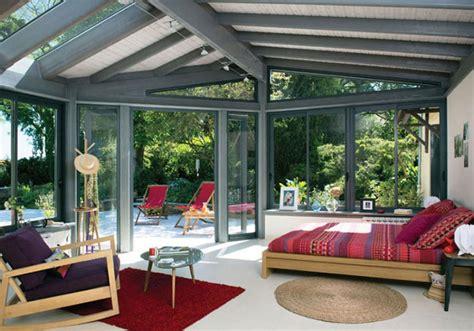 astuce cuisine deco la veranda moderne transformée en coin de sommeil estival