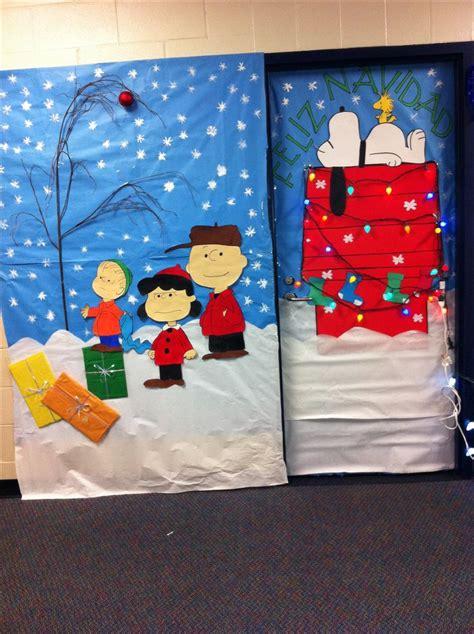 linus  charlie brown christmas door decorating idea
