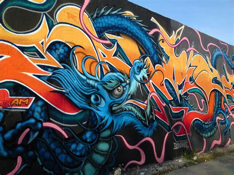 Grafiti Naga : Street Art By Brave One