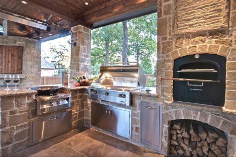 Built In Grills In Your Outdoor Kitchen
