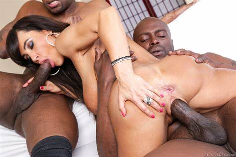 Double Mexican Studs Dp A Gfs Lisa Ann Goes Native Porn Photo