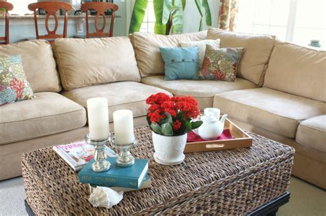 How to Decorate Coastal (without lookin' all