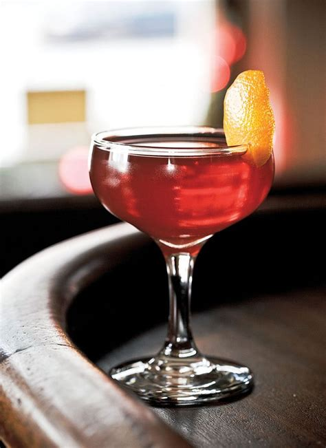 Love Cocktails? Come To Our Cocktail Making Party