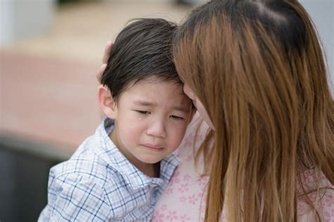 helping with anxiety strategies to help anxious children 602 | anxious child 58908609 L 1024x683