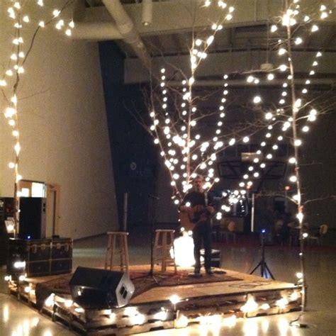 vintage stage pallets rugs trees  lights  stage