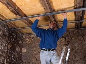 Faire Un Faux Plafond : faux plafond pose d 39 un faux plafond fixer l 39 ossature ~ Premium-room.com Idées de Décoration