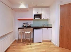 Kleine Küche Einrichten Tipps : kleine k che einrichten so nutzen sie den platz ~ Michelbontemps.com Haus und Dekorationen