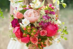 summer wedding flowers summer wedding flowers guide to choosing your bouquet