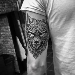 Tatouage Loup Celtique : tatouage loup homme cecilehalleydesfontaines ~ Farleysfitness.com Idées de Décoration