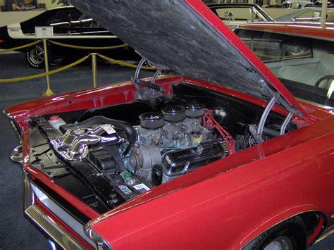 Tri Power Engine by File 1965 Pontiac Gto Tri Power Engine Jpg Wikimedia Commons