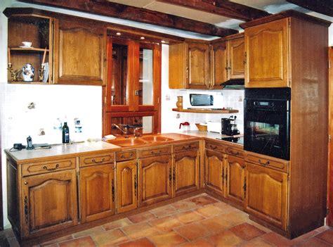 cr馥r un de cuisine un ensemble de cuisine traditionnel sur mesure bois le bouvet