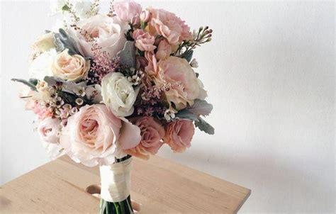 arti buket bunga  resepsi pernikahan outerbloom