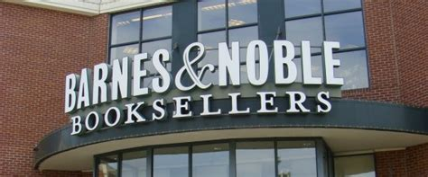 Barnes And Noble Warehouse by Barnes Noble Pledges To Make Stores