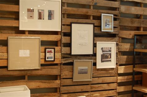 wooden pallets     dramatic wall