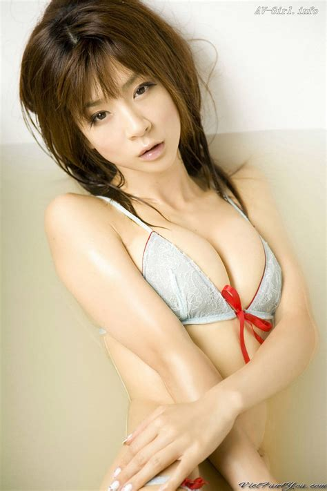 Japanese Sexy Nude Girl Bikini Photos Fake Boobs