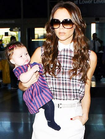 victoria beckhams baby outfits  harper