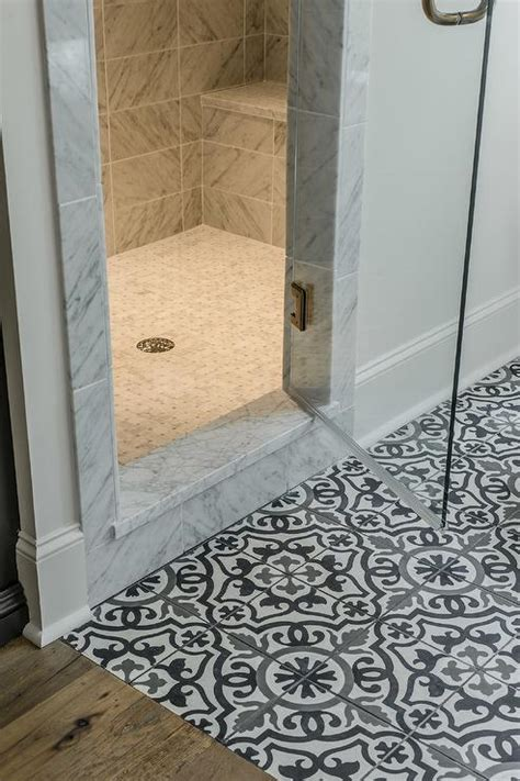 Mosaik Bodenfliesen Bad black and white mediterranean mosaic bathroom floor tiles