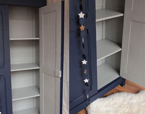 chambre bleu p騁 armoire vintage bleu nuit trendy