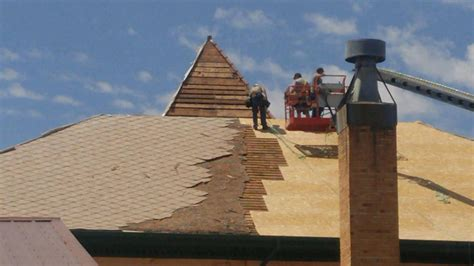 work begins  historic courthouse roof  tribune