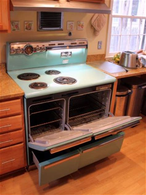 ge deluxe liberator   range turquoise  inches