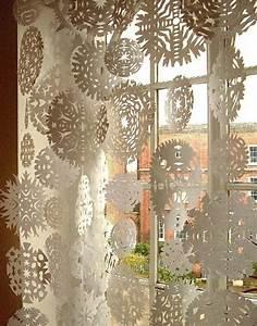 Fensterdeko Selber Machen : die besten 25 schneeflocken basteln watte ideen auf pinterest watte weihnachten basteln ~ Eleganceandgraceweddings.com Haus und Dekorationen