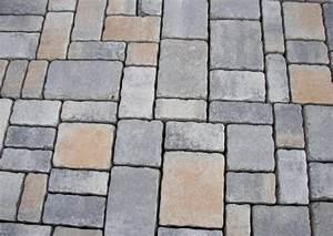 Pflastersteine Muster Bilder : terrassenmuster pflasterungen beispiele ~ Frokenaadalensverden.com Haus und Dekorationen