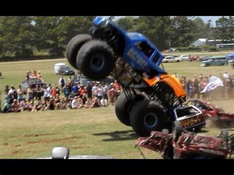 bigfoot monster truck videos youtube bigfoot monster truck kumeu rod show youtube