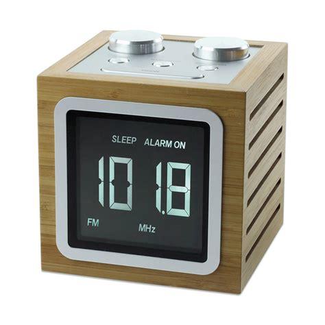 reveil maison du monde mini cube r 233 veil led en bois une id 233 e de cadeau original