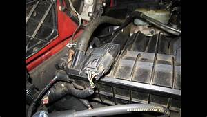 Mazda B2300 Engine